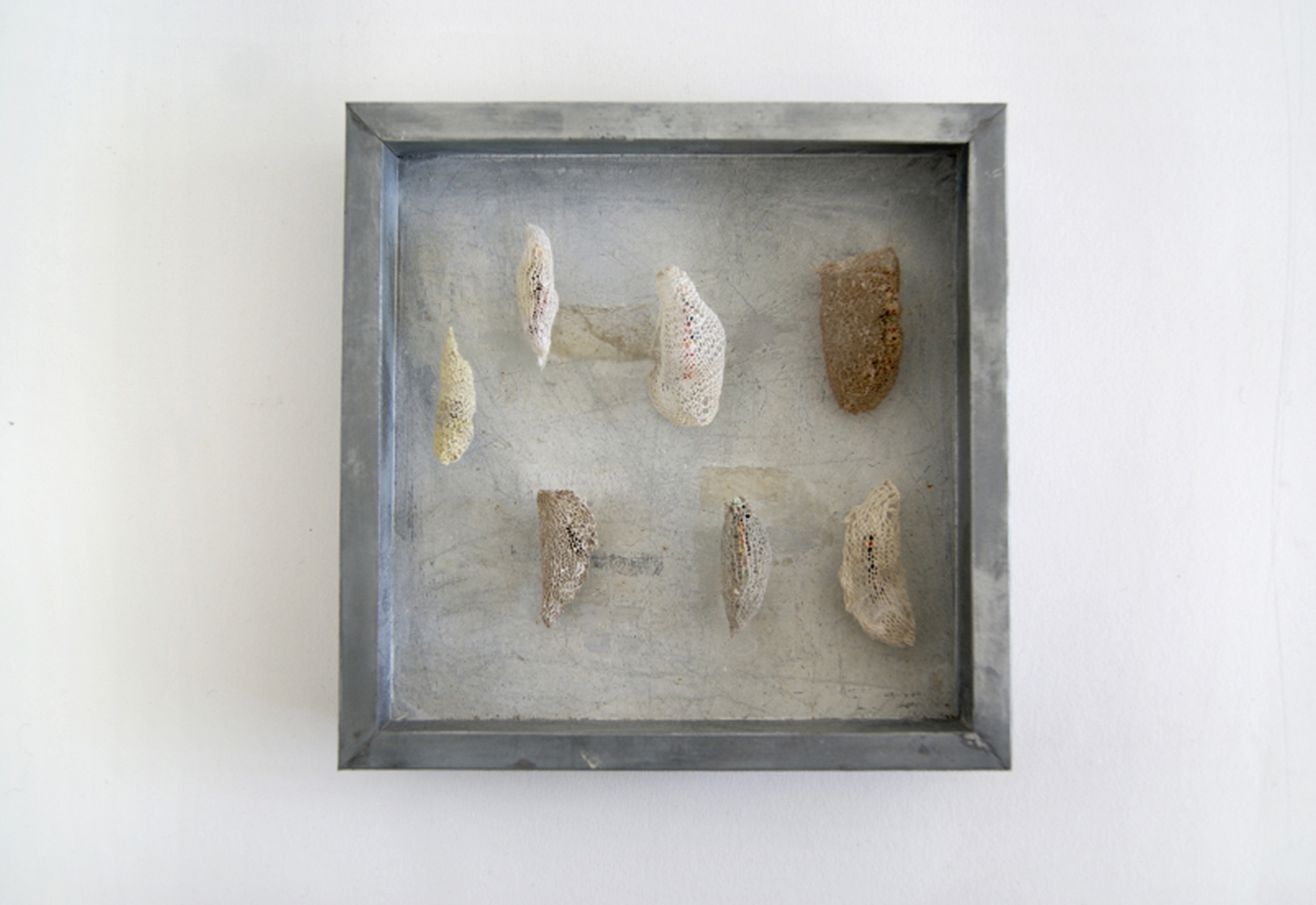 Vlinderpoppen Handgebreid in zinken doos van 20-20 cm 2016